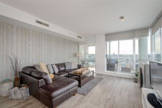 Photo 2: 1903 638 BEACH CRESCENT in Vancouver: Yaletown Condo for sale (Vancouver West)  : MLS®# R2339552