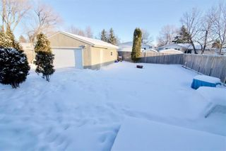 Photo 38: 19 Malden Close in Winnipeg: Maples Residential for sale (4H)  : MLS®# 202101865