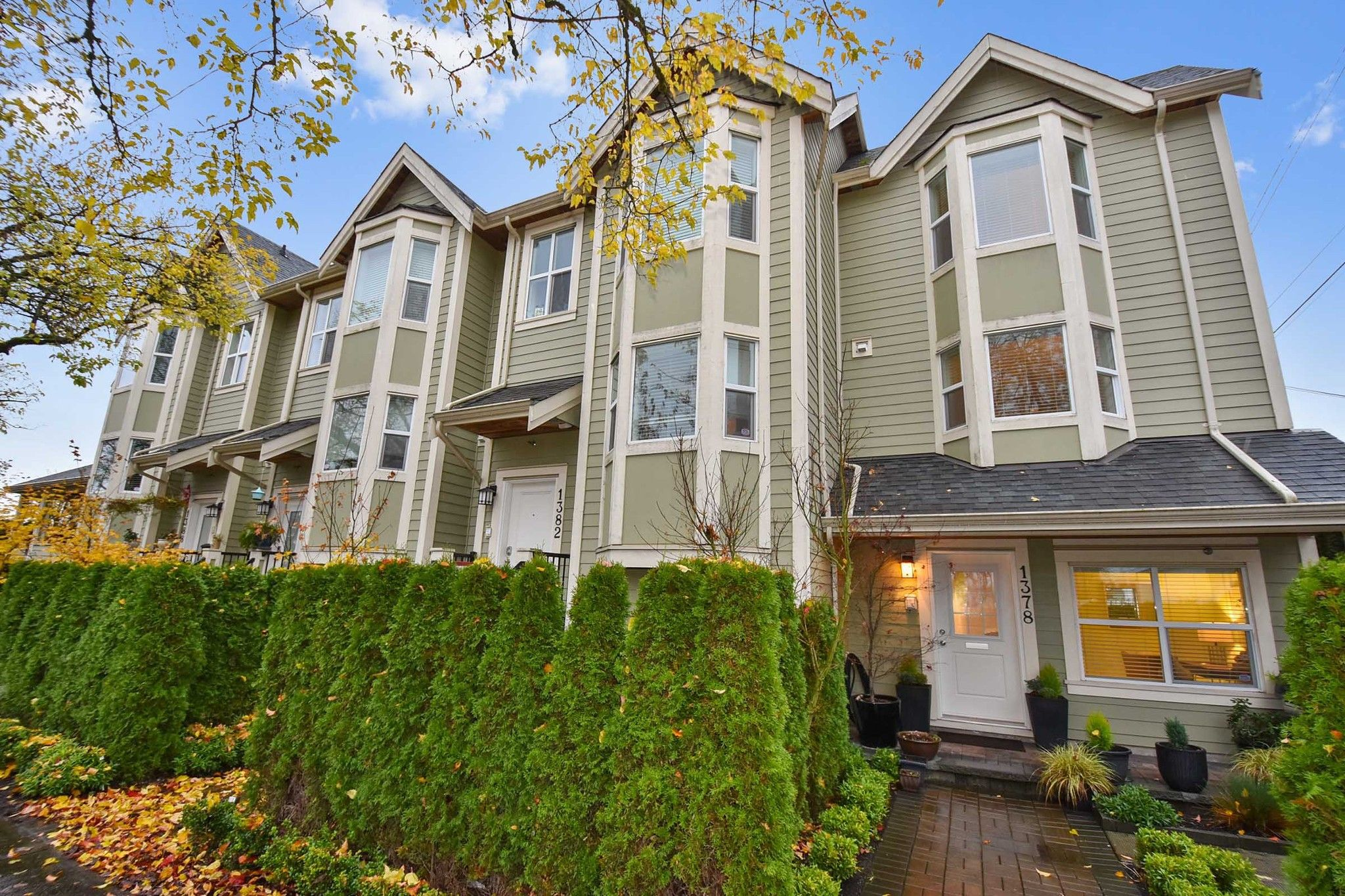 "Main Photo: 1378 E 27TH Avenue in Vancouver: Knight Townhouse for sale in ""VILLA@27"" (Vancouver East)  : MLS®# R2221909"