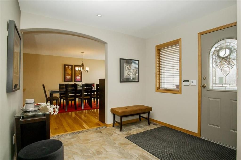 Photo 16: Photos: 23 Tiverton Bay in Winnipeg: River Park South Residential for sale (2F)  : MLS®# 202008374