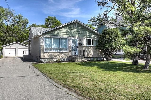Main Photo: 125 Wexford Street in Winnipeg: Single Family Detached for sale (1F)  : MLS®# 1915176