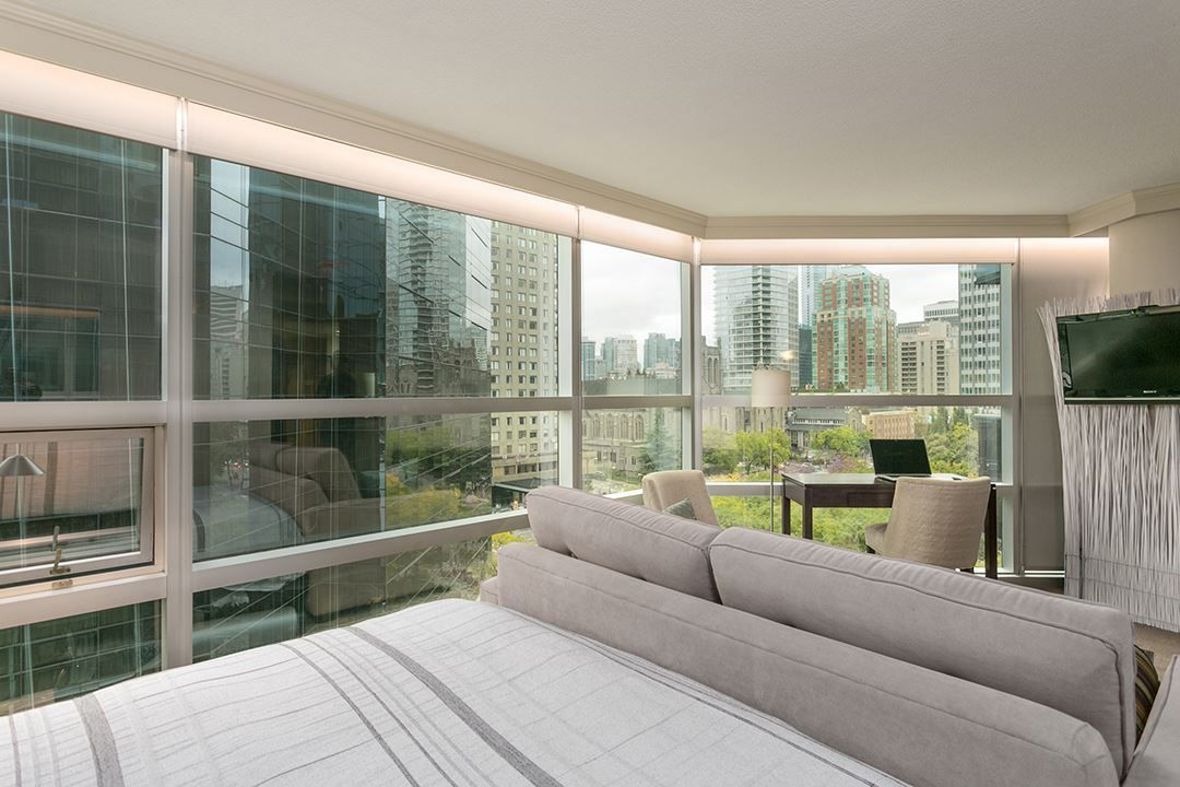 """Main Photo: 804 1050 BURRARD Street in Vancouver: Downtown VW Condo for sale in """"WALL CENTRE"""" (Vancouver West)  : MLS®# R2309129"""