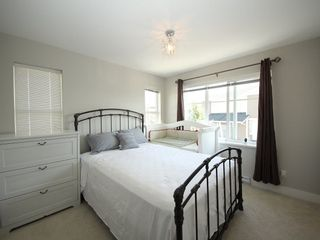 """Photo 8: 118 19433 68 Avenue in Surrey: Clayton Townhouse for sale in """"THE GROVE"""" (Cloverdale)  : MLS®# R2309717"""