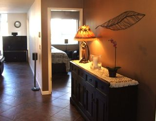 Photo 2: 210 14965 Marine Dr in Pacifica: Home for sale