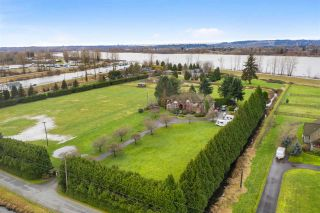 Photo 4: 14567 CHARLIER Road in Pitt Meadows: North Meadows PI House for sale : MLS®# R2548559