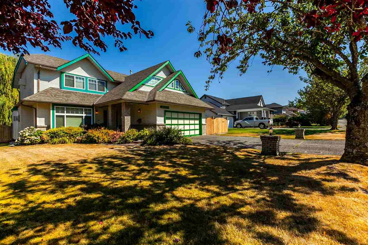 """Main Photo: 21769 46 Avenue in Langley: Murrayville House for sale in """"Murrayville"""" : MLS®# R2199832"""
