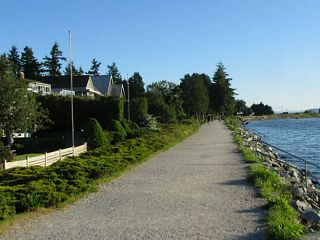 """Photo 49: 2826 MCBRIDE Avenue in Surrey: Crescent Bch Ocean Pk. House for sale in """"Crescent Beach"""" (South Surrey White Rock)  : MLS®# F1404362"""