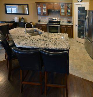 Photo 6: 120 CASTLE Drive in Edmonton: Zone 27 House Half Duplex for sale : MLS®# E4225009