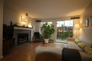 Photo 2: 105 925 W 15TH Avenue in Vancouver: Fairview VW Condo for sale (Vancouver West)  : MLS®# R2228060
