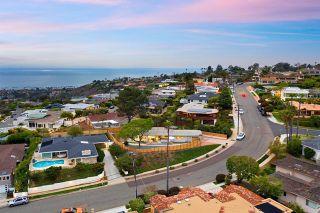 Photo 8: House for sale : 3 bedrooms : 1050 La Jolla Rancho Rd in La Jolla