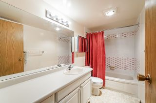 """Photo 17: 802 550 EIGHTH Street in New Westminster: Uptown NW Condo for sale in """"Park Ridge"""" : MLS®# R2500222"""