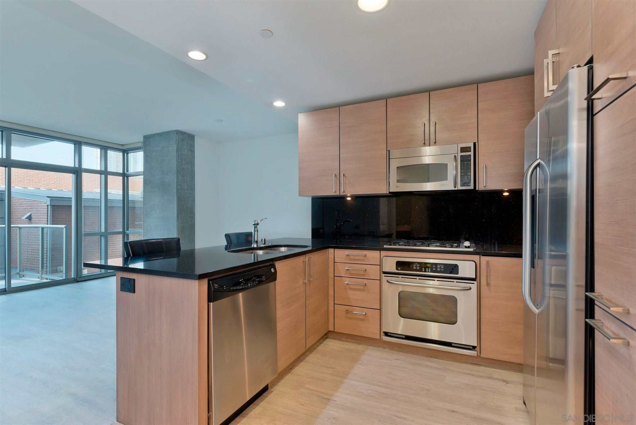 Main Photo: Condo for sale : 1 bedrooms : 800 The Mark Ln #304 in San Diego