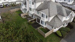 "Photo 4: 15 7955 122 Street in Surrey: West Newton Townhouse for sale in ""Scottsdale Village"" : MLS®# R2542586"