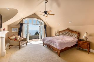 """Photo 19: 13778 MARINE Drive: White Rock House for sale in """"WHITE ROCK"""" (South Surrey White Rock)  : MLS®# R2568482"""