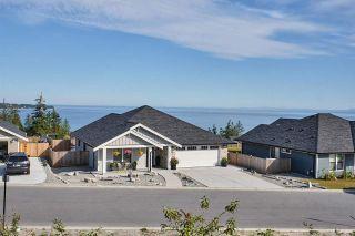 "Photo 1: 5630 KINGBIRD Crescent in Sechelt: Sechelt District House for sale in ""Silverstone Heights"" (Sunshine Coast)  : MLS®# R2591552"