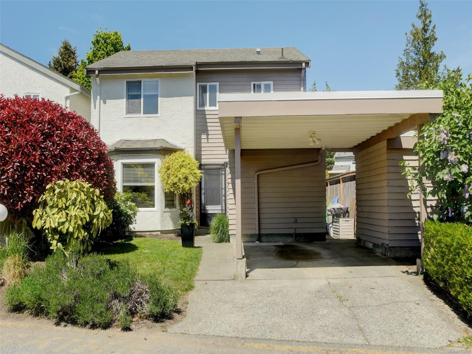 Main Photo: 16 7925 Simpson Rd in : CS Saanichton Row/Townhouse for sale (Central Saanich)  : MLS®# 875899