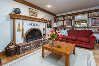 Photo 11: 2982 Smith Rd in Courtenay: CV Courtenay North House for sale (Comox Valley)  : MLS®# 885581