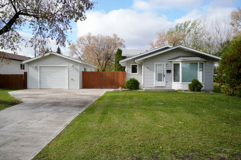 FEATURED LISTING: 527 5th St NW Portage la Prairie