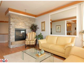 Photo 2: 14761 OXENHAM Avenue: White Rock House for sale (South Surrey White Rock)  : MLS®# F1018509