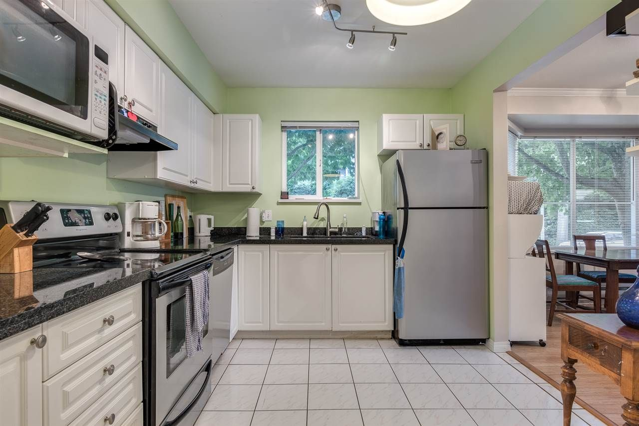 """Photo 11: Photos: 110 2620 JANE Street in Port Coquitlam: Central Pt Coquitlam Condo for sale in """"JANE GARDENS"""" : MLS®# R2501624"""