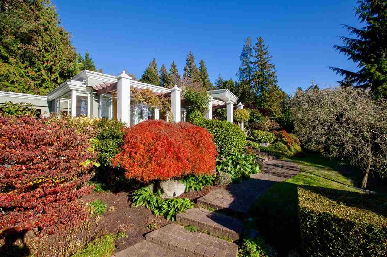 Main Photo: 1430 31ST Street in West Vancouver: Altamont House for sale : MLS®# R2541449