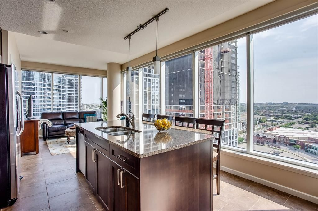 Main Photo: 1906 211 13 Avenue SE in Calgary: Beltline Apartment for sale : MLS®# A1075907