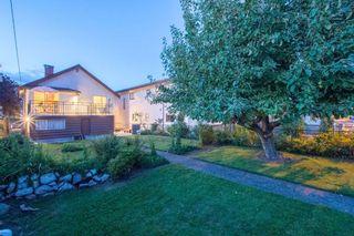 Photo 19: 2460 NAPIER Street in Vancouver: Renfrew VE House for sale (Vancouver East)  : MLS®# R2119733