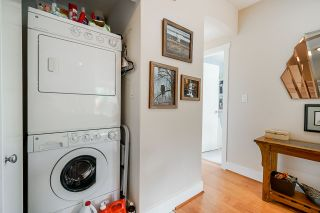 Photo 17: 302 7428 BYRNEPARK WALK in Burnaby: South Slope Condo for sale (Burnaby South)  : MLS®# R2458762