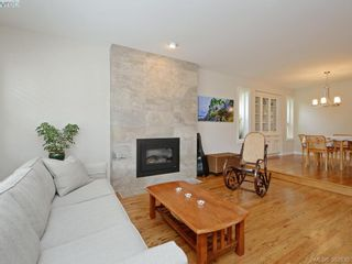 Photo 3: 868 Gardner Pl in VICTORIA: SE Cordova Bay House for sale (Saanich East)  : MLS®# 769313