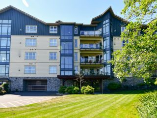 Photo 3: 404 2676 S Island Hwy in CAMPBELL RIVER: CR Willow Point Condo for sale (Campbell River)  : MLS®# 840269