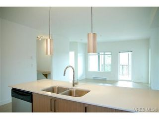 Photo 4: 403 286 Wilfert Rd in VICTORIA: VR Six Mile Condo for sale (View Royal)  : MLS®# 645295