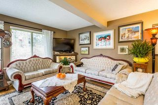 """Photo 3: 1883 LILAC Drive in Surrey: King George Corridor Townhouse for sale in """"Alderwood"""" (South Surrey White Rock)  : MLS®# R2238376"""