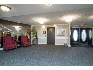 Photo 2: 302 2239 152 Street in Surrey: Sunnyside Park Surrey Condo for sale (South Surrey White Rock)  : MLS®# R2364850