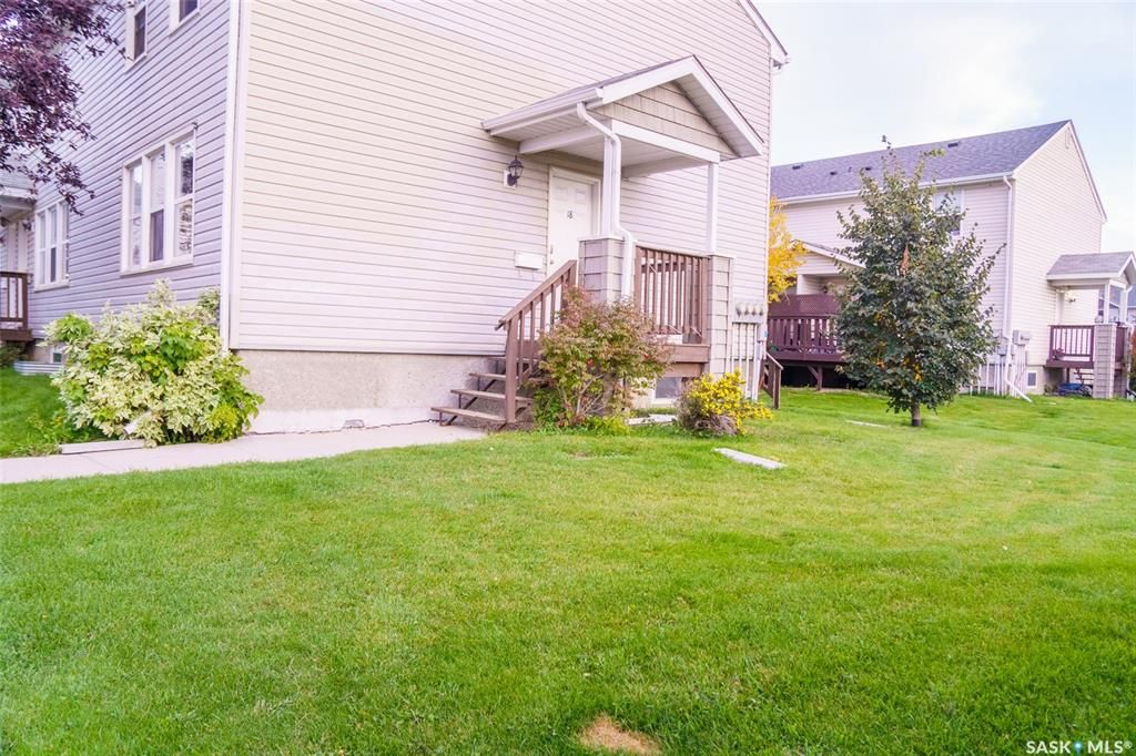Main Photo: 18 210 Camponi Place in Saskatoon: Fairhaven Residential for sale : MLS®# SK872496