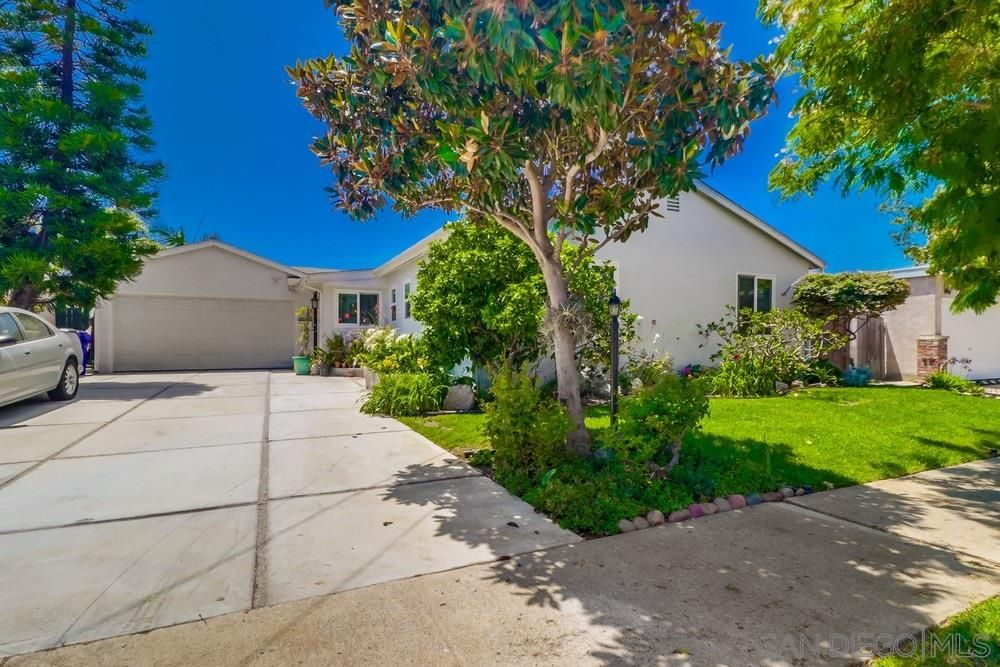 Main Photo: BAY PARK House for sale : 3 bedrooms : 4125 Chippewa Court in San Diego