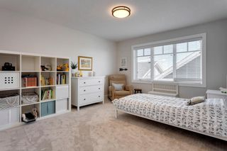 Photo 33: 9 Trasimeno Crescent SW in Calgary: Currie Barracks Detached for sale : MLS®# A1081880