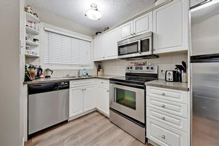 Photo 9: 2039 50 Avenue SW in Calgary: North Glenmore Park Semi Detached for sale : MLS®# C4295796