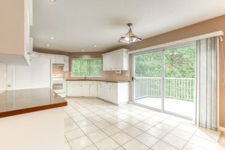 """Photo 10: 3318 ROBSON Drive in Coquitlam: Hockaday House for sale in """"HOCKADAY"""" : MLS®# R2473604"""