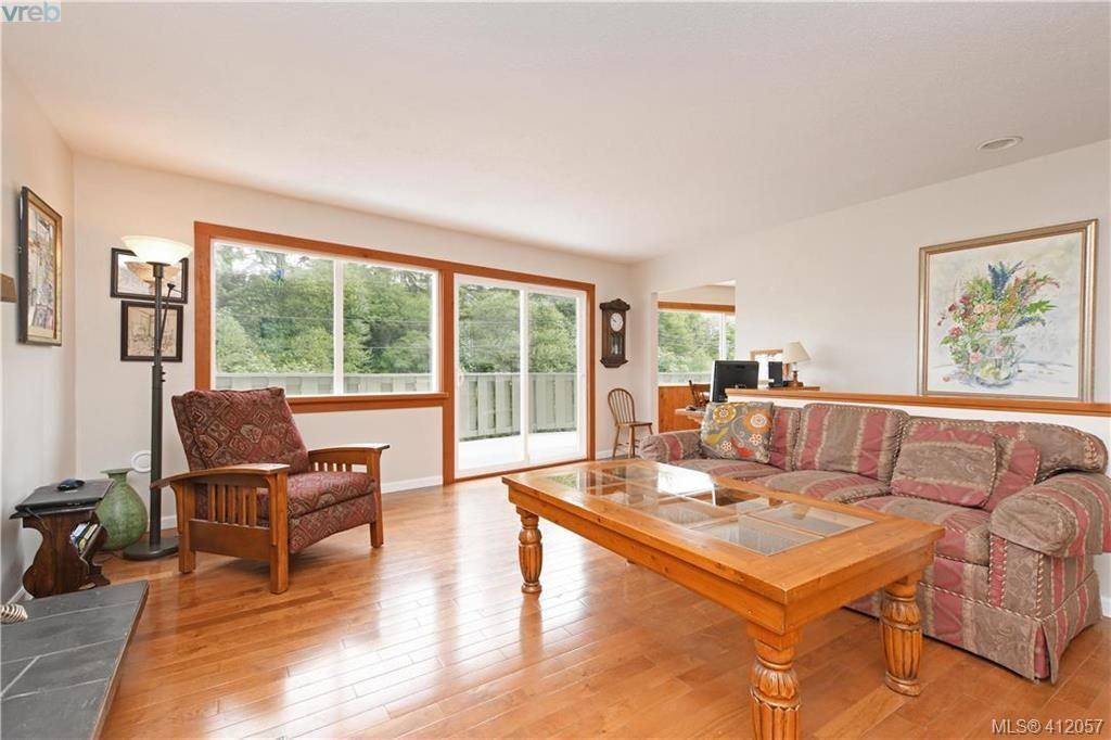 Photo 4: Photos: 1610 Dufour Rd in SOOKE: Sk Whiffin Spit House for sale (Sooke)  : MLS®# 816983