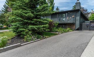 Main Photo: 8466 62 Avenue NW in Calgary: Silver Springs Semi Detached for sale : MLS®# A1126736