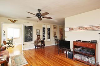 Photo 5: PACIFIC BEACH House for sale : 4 bedrooms : 1224 Emerald St in San Diego