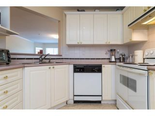 Photo 15: 303 7435 121A Street in Surrey: West Newton Condo for sale : MLS®# R2329200