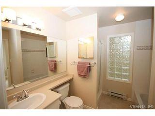 Photo 14: 17 500 Marsett Pl in VICTORIA: SW Royal Oak Row/Townhouse for sale (Saanich West)  : MLS®# 711729