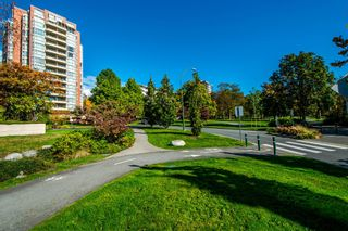"""Photo 35: 1001 160 W KEITH Road in North Vancouver: Central Lonsdale Condo for sale in """"VICTORIA PARK WEST"""" : MLS®# R2115638"""