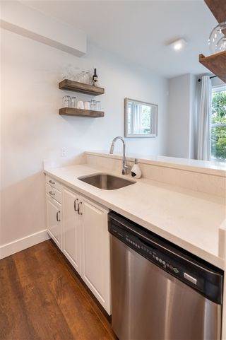 Photo 8: 936 W 16TH Avenue in Vancouver: Cambie Condo for sale (Vancouver West)  : MLS®# R2464695