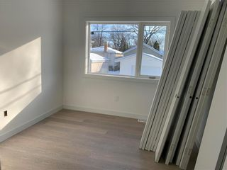 Photo 5: 718 Kylemore Avenue in Winnipeg: Lord Roberts Residential for sale (1Aw)  : MLS®# 202106421