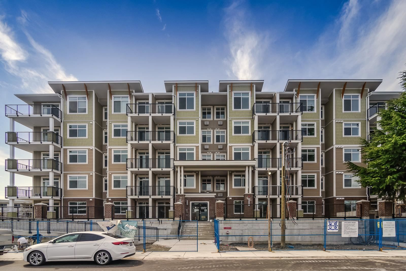 """Main Photo: 314 20696 EASTLEIGH Crescent in Langley: Langley City Condo for sale in """"The Georgia"""" : MLS®# R2597819"""
