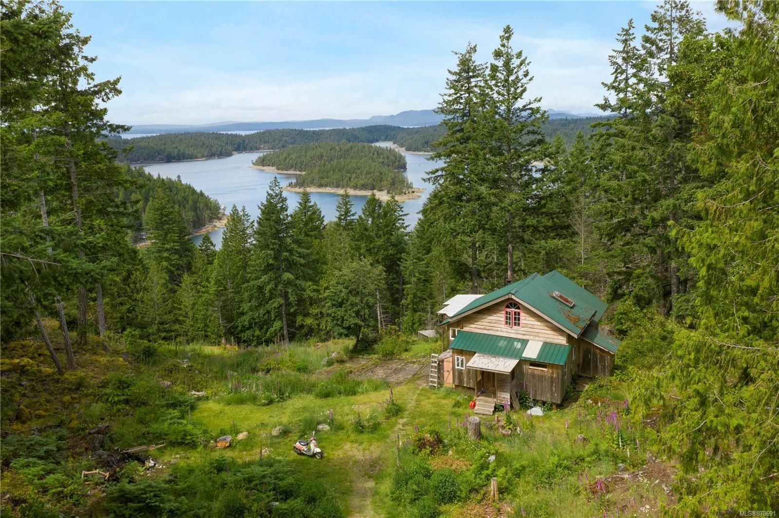 Photo 4: Photos: 979 Thunder Rd in : Isl Cortes Island House for sale (Islands)  : MLS®# 878691
