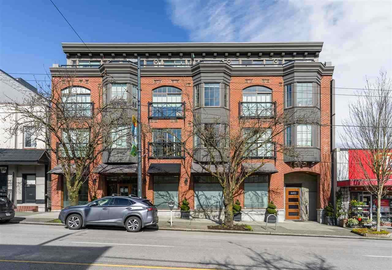 """Main Photo: 304 4463 W 10TH Avenue in Vancouver: Point Grey Condo for sale in """"West Point Grey"""" (Vancouver West)  : MLS®# R2567933"""
