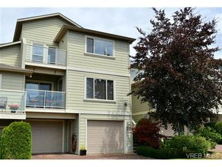 Photo 1: 24 127 Aldersmith Pl in VICTORIA: VR Glentana Row/Townhouse for sale (View Royal)  : MLS®# 738136